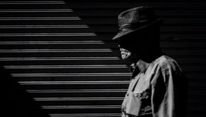 Los Angeles Street Photographer Hunts for Light to Create Dramatic Imagery